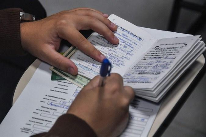 Agências do Trabalhador oferecem 305 vagas de emprego nesta terça (4/5)