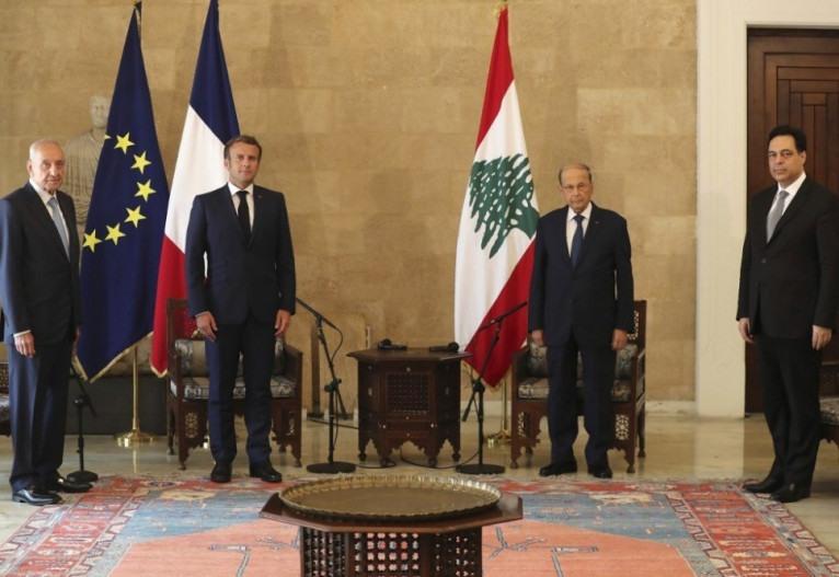 Macron pede investigação internacional e 'mudanças' em Beirute
