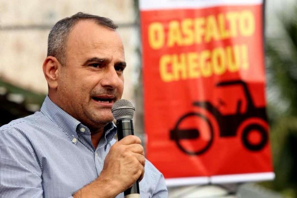PT apoia candidatura de aliado de Bolsonaro a prefeito de Belford Roxo