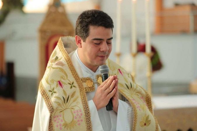 Investigação por desvios na doação dos fiéis começou após padre relatar pagamentos milionários a chantagistas -  (foto: reprodução )