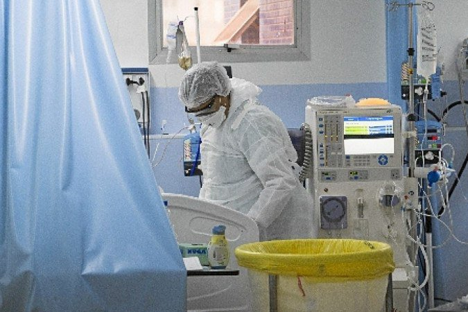 Desde o início da pandemia, vírus matou 3.867 pessoas na capital federal - (crédito: Mister Shadow/CB/D.A Press)