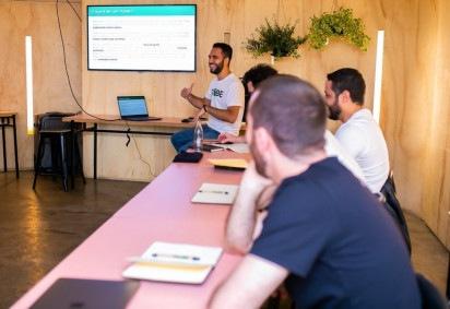 Escola Trybe oferece curso para programadores, mas estudantes só começam a pagar quando estiverem empregados  -  (crédito:  Trybe/Divulgação)
