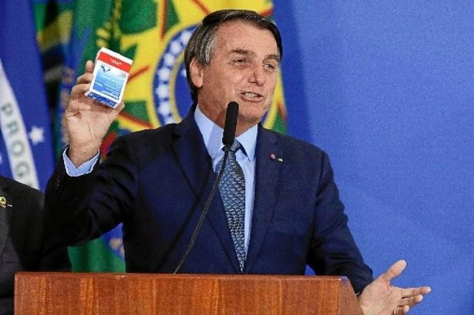 Desde que assumiu a pasta, general Eduardo Pazuello defende, ao lado de Bolsonaro, o uso da cloroquina a partir dos primeiros sintomas