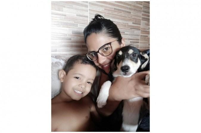 Filho único, Miguel encontrou em Marvel um grande companheiro: para mãe, Jéssica, o filho está menos ansioso