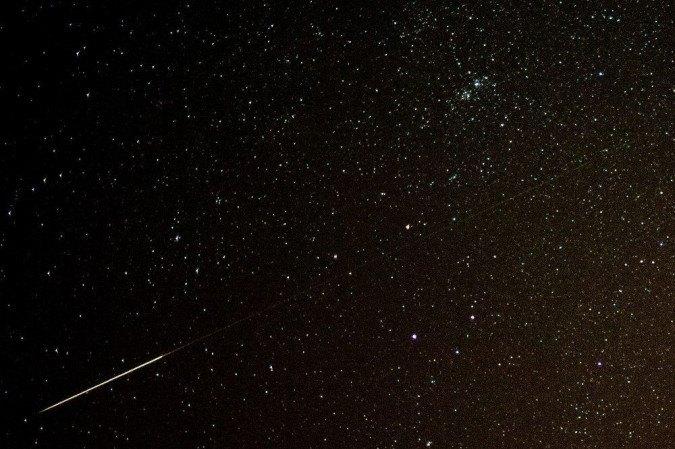 Outubro é um mês conhecido por ser época da famosa chuva de meteoros Draconídeas -  (crédito: AFP PHOTO / DPA / PATRICK PLEUL / GERMANY OUT)