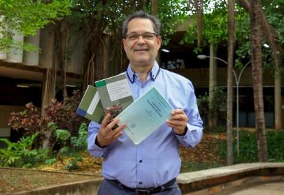 Professor da UnB, Marcelo concorre a votação popular de melhor livro de constitucionalismo moderno -  (crédito: Audrey Luiza/Secom UnB)