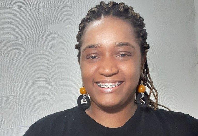 """""""A promoção da igualdade racial não passa exclusivamente por contratar profissionais negros, mas por garantir também que tenha uma mudança de ambiente para que ele seja acolhedor"""" Aline Nascimento, analista sênior de treinamentos e ações afirmativas do Instituto Identidades do Brasil"""