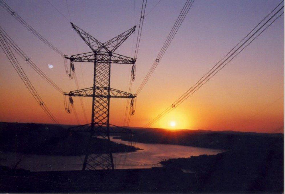 Moradores de três cidades do DF ficam sem energia nesta quarta-feira