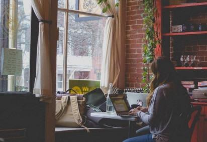 A promoção de processos seletivos inclusivos para mulheres busca levar diversidade às empresas -  (crédito: Bonnie Kittle/Unsplash)