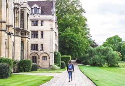 Os estudantes aprovados vão iniciar as atividades no exterior entre julho e setembro de 2021 -  (crédito: Victoria Heath/Unsplash )