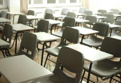 Os alunos poderão optar por ter aulas on-line ou presenciais, no esquema de revezamento -  (crédito: Mche Lee/Unsplash )