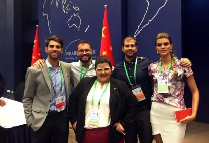 Delegação brasileira do Y20 durante o evento de 2016 na China -  (crédito: Instituto Global Attitude/Divulgação)