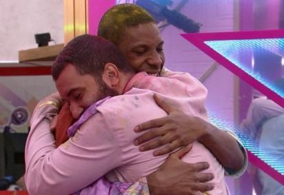Lucas e Gilberto protagonizaram primeiro beijo entre homens da história do BBB -  (crédito: Reprodução)