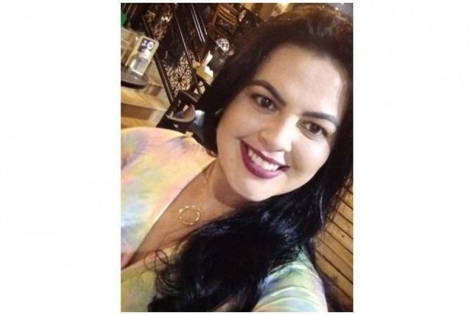Quase um ano depois de ter contraído covid-19, Karen Lima de Souza ainda relata queda dos fios -  (crédito: Arquivo Pessoal)