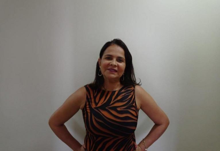 Professora de alfabetização, Maria Santana teve dificuldades com o ensino a distância