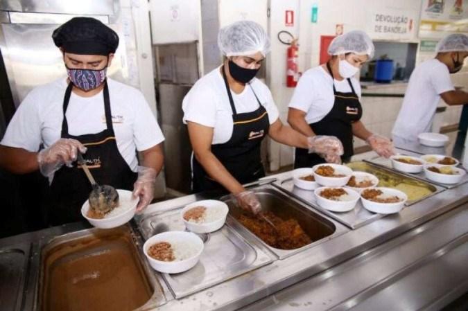 Consumo em restaurantes e bares cai 34,2% com restrições em março, diz pesquisa