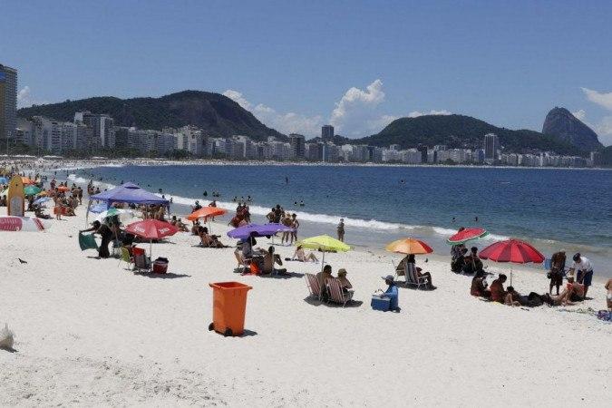 Rio flexibiliza regras e praias voltam a ser liberadas aos finais de semana