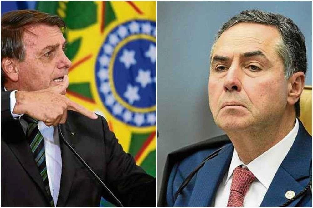 """Bolsonaro sobre voto impresso: """"Qual é o poder de convencimento do senhor  Barroso?"""""""