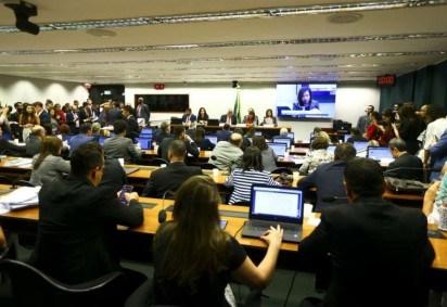 Frente Parlamentar defende a aplicação do Saeb com alternativas enviadas ao MEC -  (crédito: Marcelo Camargo/Agência Brasil)