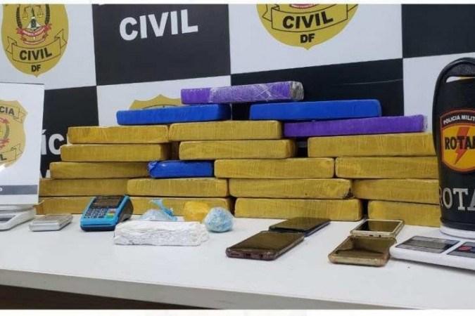 Polícia Civil prende 4 traficantes e apreende 25 kg de maconha
