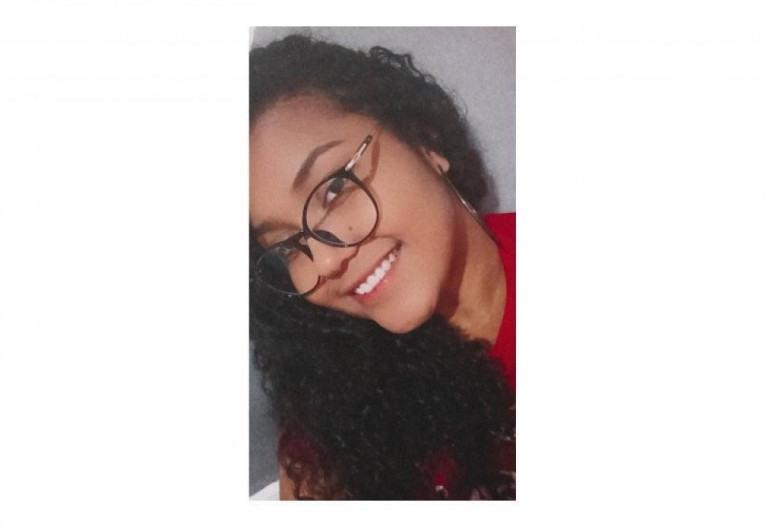 Lylite Alves, 20, estudante de física e responsável pelos conteúdos de física e também de saúde do projeto
