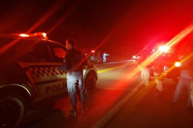 Suspeito de matar família troca tiros com a polícia em Cocalzinho