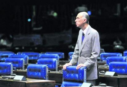 Maciel no Senado: estilo conciliador marcou a trajetória do político -  (crédito: Agencia Senado/Divulgação)