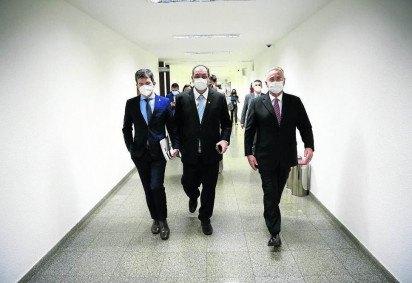 Randolfe Rodrigues, Omar Aziz e Renan Calheiros defenderam a reclassificação dos documentos, feita pela Consultoria Legislativa e pela secretaria da CPI -  (crédito: Pedro França/Agência Senado)