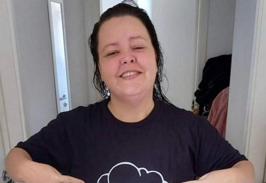 """Hélady Araújo, de 'Pé na cova' vira revendedora de cosméticos: """"Foi a  solução"""""""
