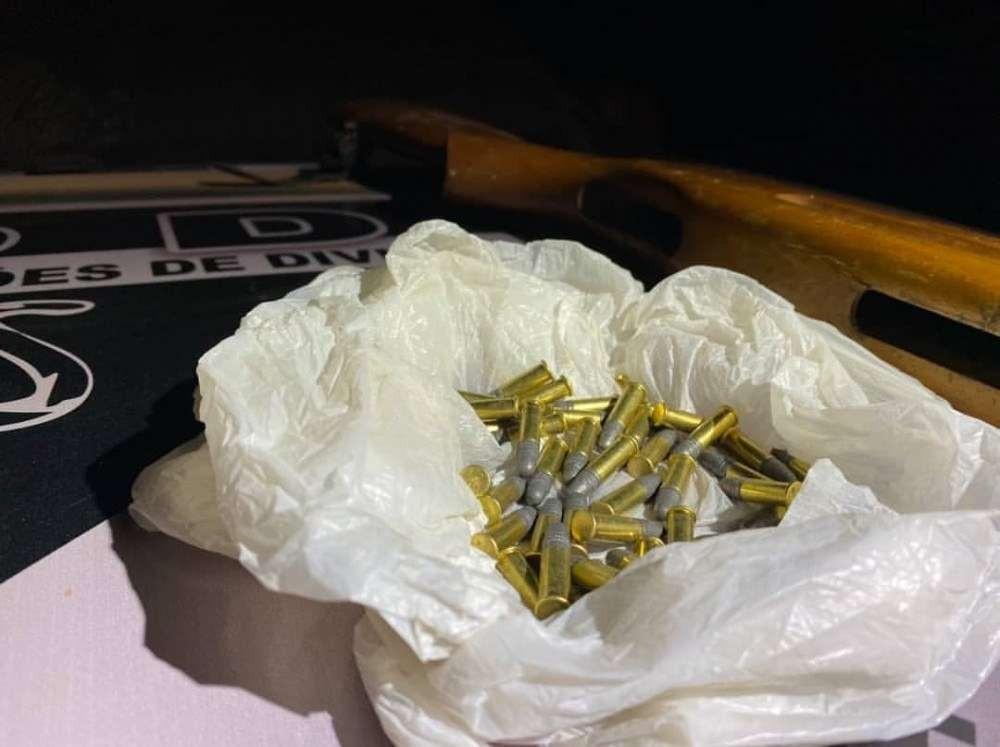 Imagens das munições encontradas pela polícia