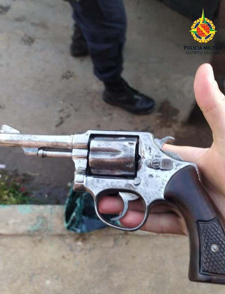 Arma apreendida pela PMDF