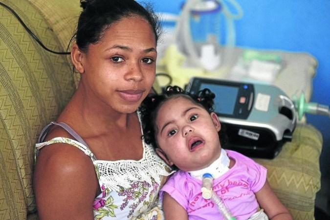 Érica de Sousa, 24, conheceu a AME devido ao diagnóstico da filha.