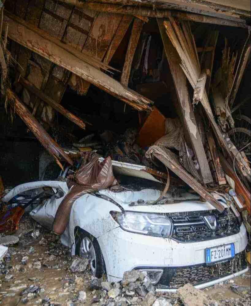 George Clooney aiuta le vittime di tempeste e frane in Italia
