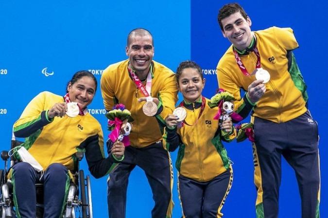 Quarteto do revezamento 4x50m da natação fecharam o segundo dia de conquistas para o Brasil com o bronze - (crédito: ALE CABRAL/CPB)