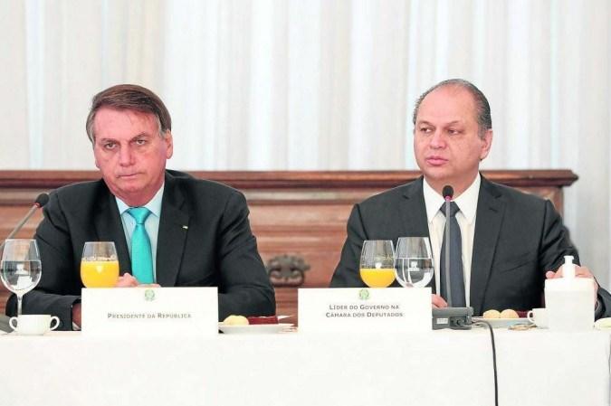 Bolsonaro e Barros: crise entre o Executivo e Judiciário tem desdobramentos no Congresso, mas, segundo o deputado do Centrão, não há possibilidade de o grupo se descolar do governo -  (crédito: Alan Santos/PR)