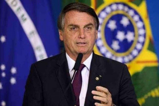 Mil dias de governo: Bolsonaro faz aceno à economia e se esquiva da pandemia