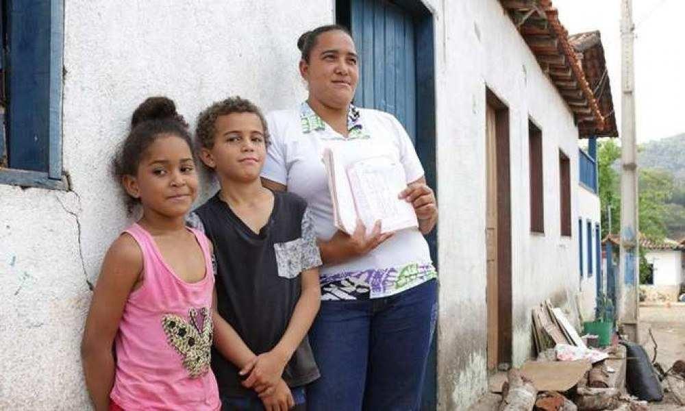 ''As vacinas evitam um mal maior, servem para nos proteger das doenças'' - Claudilene Aparecida da Silva, mãe de Henrique e Alice