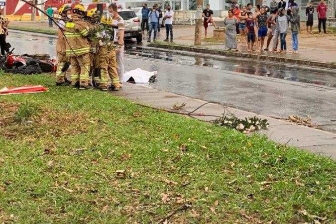 Corpo de Bombeiros atende a pedestre atropelado e colisão entre carros, em Ceilândia